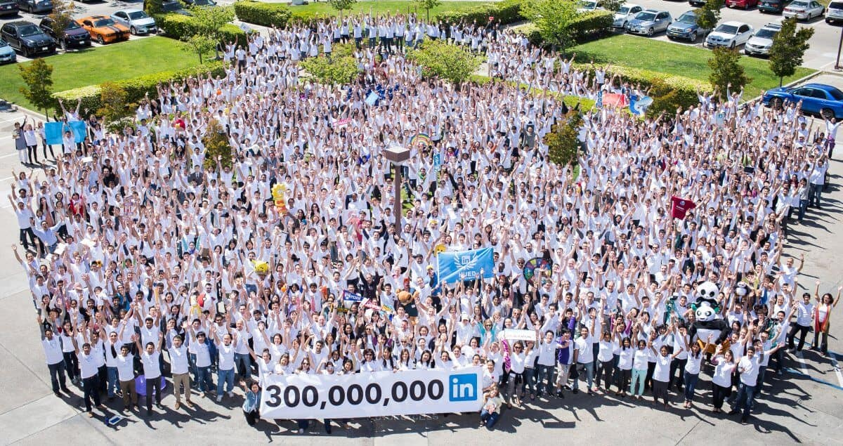 The LinkedIn team at HQ in California celebrating 300 million users (Source: LinkedIn)